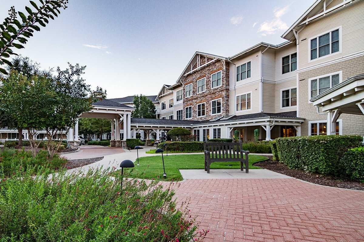 Photo of Sunrise of Plano, Assisted Living, Plano, TX 4