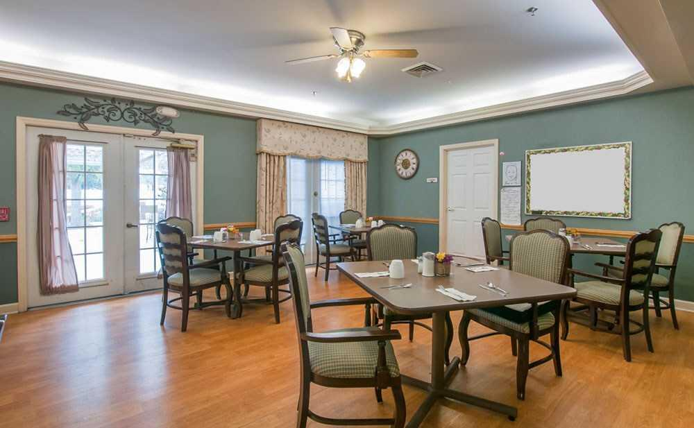 Photo of Carriage Court of Marysville, Assisted Living, Marysville, OH 3