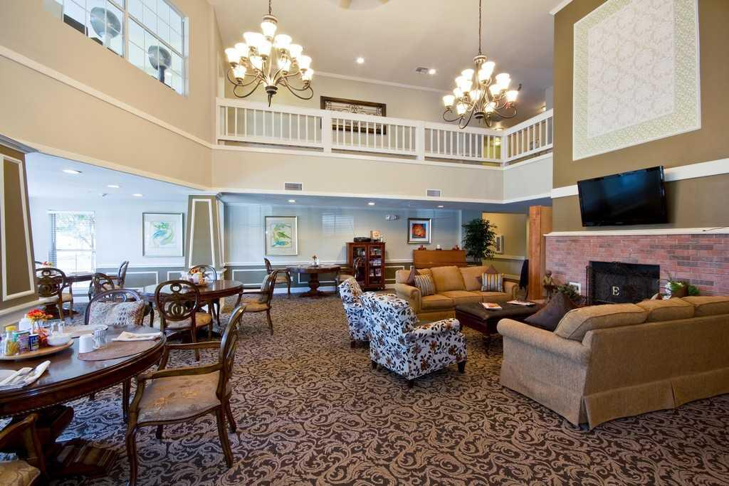 Photo of The Wellington at Conroe, Assisted Living, Conroe, TX 2