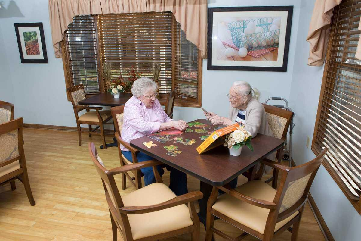 Photo of Country Manor Memory Care, Assisted Living, Memory Care, Davenport, IA 1