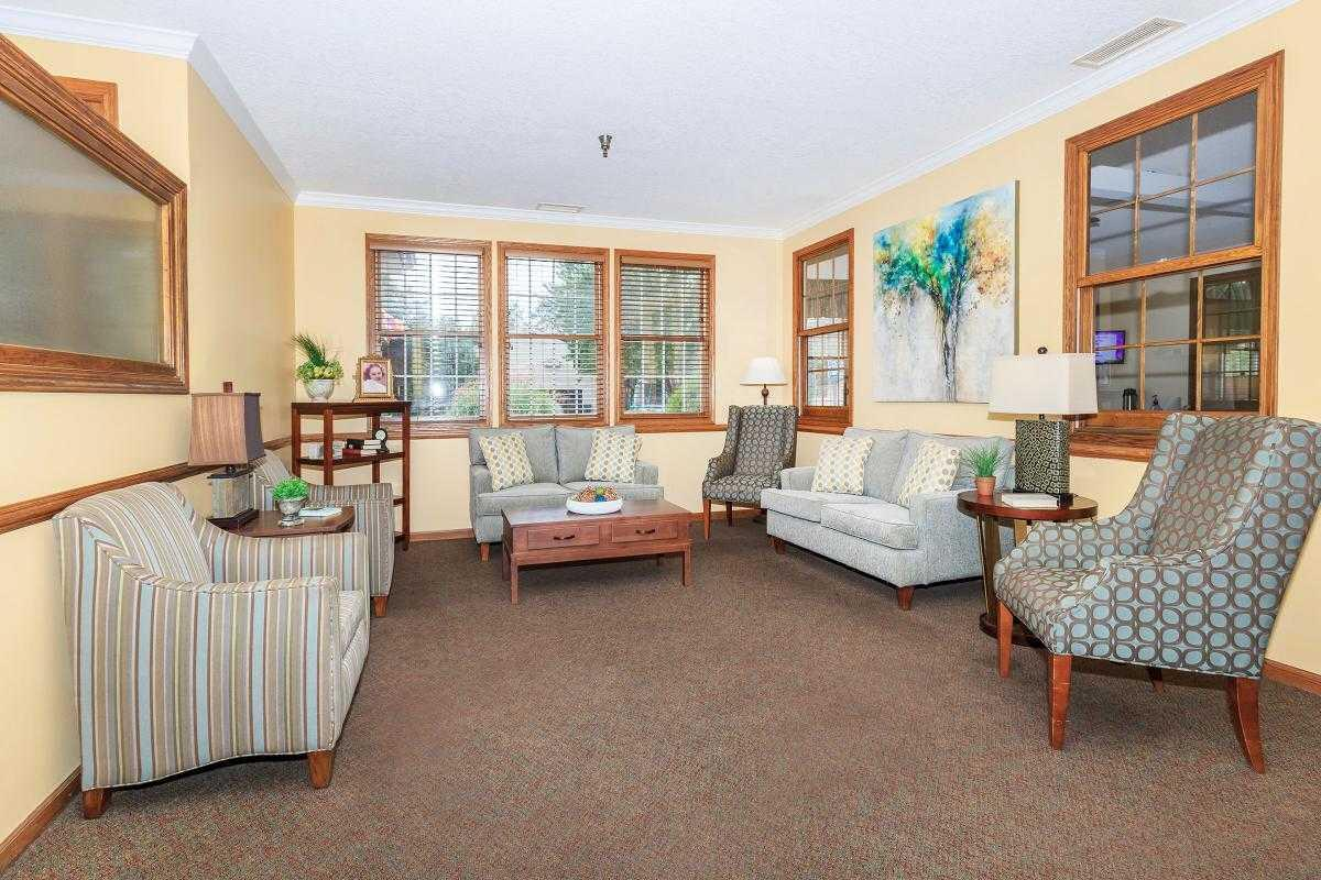 Photo of Country Manor Memory Care, Assisted Living, Memory Care, Davenport, IA 12