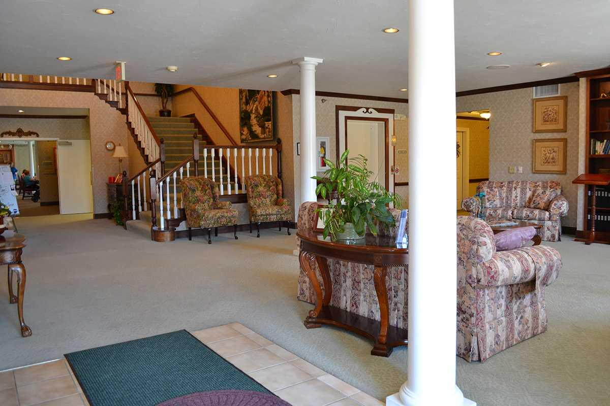 Photo of Crown Pointe Senior Living Community, Assisted Living, Greensburg, IN 3