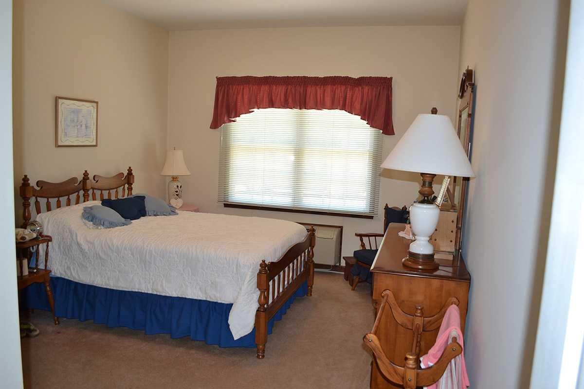 Photo of Crown Pointe Senior Living Community, Assisted Living, Greensburg, IN 4