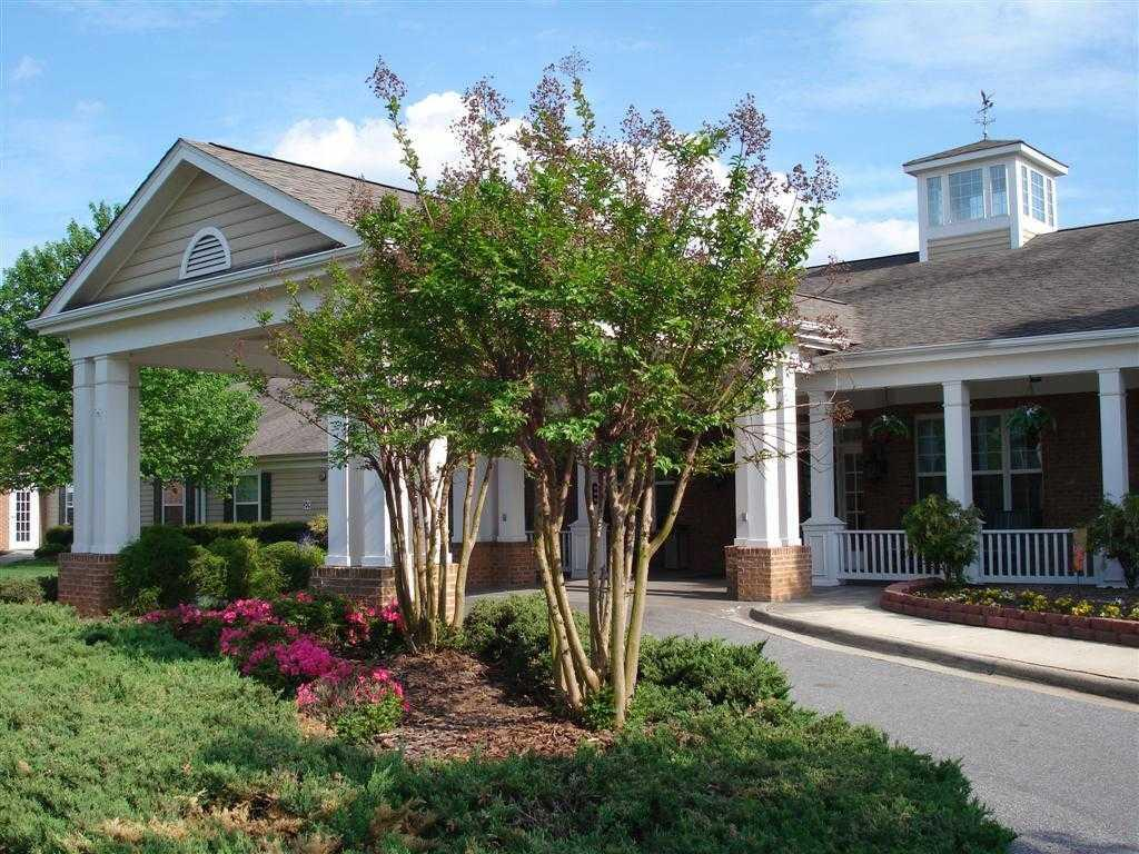 Photo of Springs of Catawba, Assisted Living, Hickory, NC 6