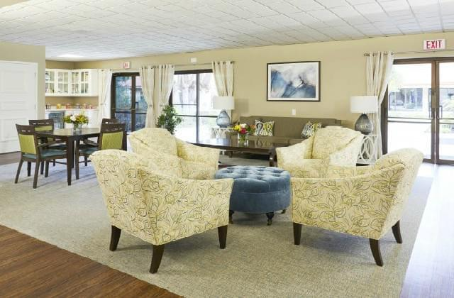 Photo of Town & Country Manor, Assisted Living, Nursing Home, Independent Living, CCRC, Santa Ana, CA 3