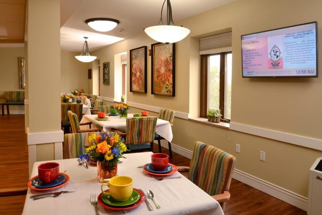 Photo of Heisinger Bluffs, Assisted Living, Nursing Home, Independent Living, CCRC, Jefferson City, MO 2