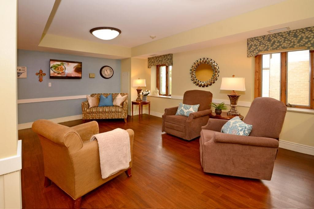 Photo of Heisinger Bluffs, Assisted Living, Nursing Home, Independent Living, CCRC, Jefferson City, MO 4