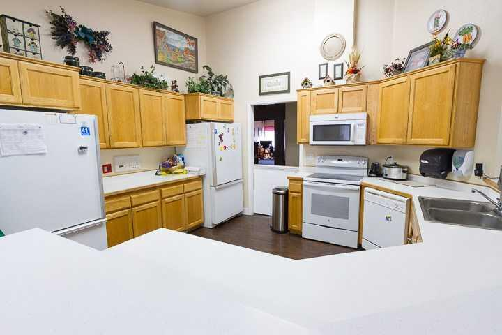 Photo of Ashley Manor - Saulsbury, Assisted Living, Lakewood, CO 4