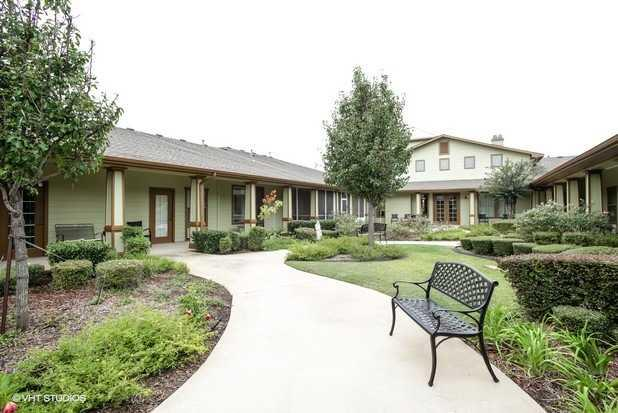Photo of Spring Lake, Assisted Living, Memory Care, Paris, TX 6