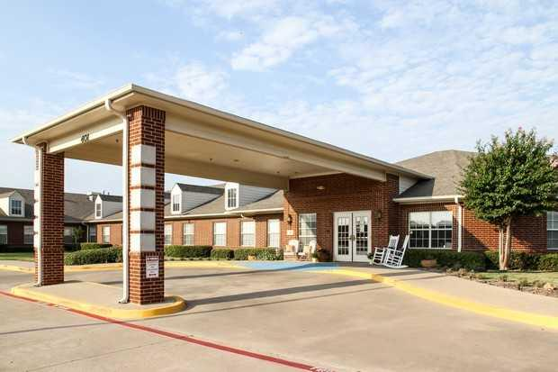 Photo of Covenant Place of Waxahachie, Assisted Living, Waxahachie, TX 1
