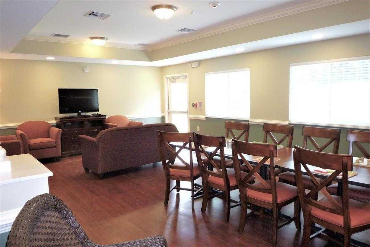 Photo of New Hanover House, Assisted Living, Wilmington, NC 1