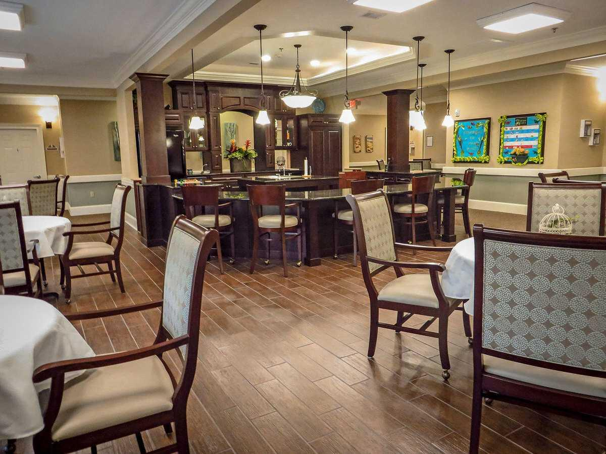 Photo of Benton House of Raymore, Assisted Living, Memory Care, Raymore, MO 10