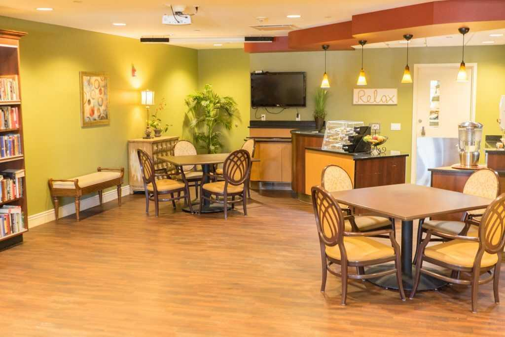 Photo of Paramount Senior Living at Middleburg Heights, Assisted Living, Middleburg Heights, OH 9