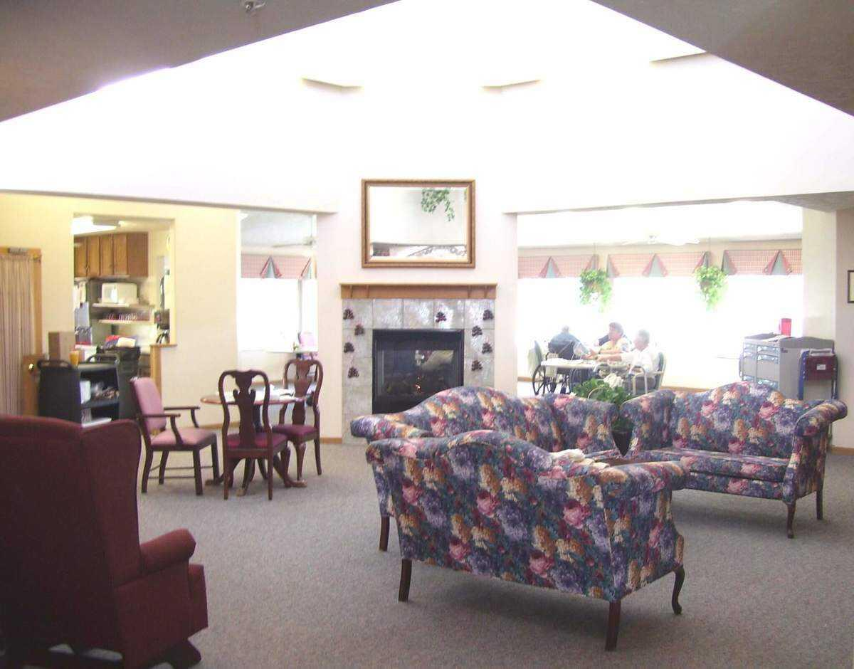 Photo of The Waterford at Williamsburg, Assisted Living, Lincoln, NE 3