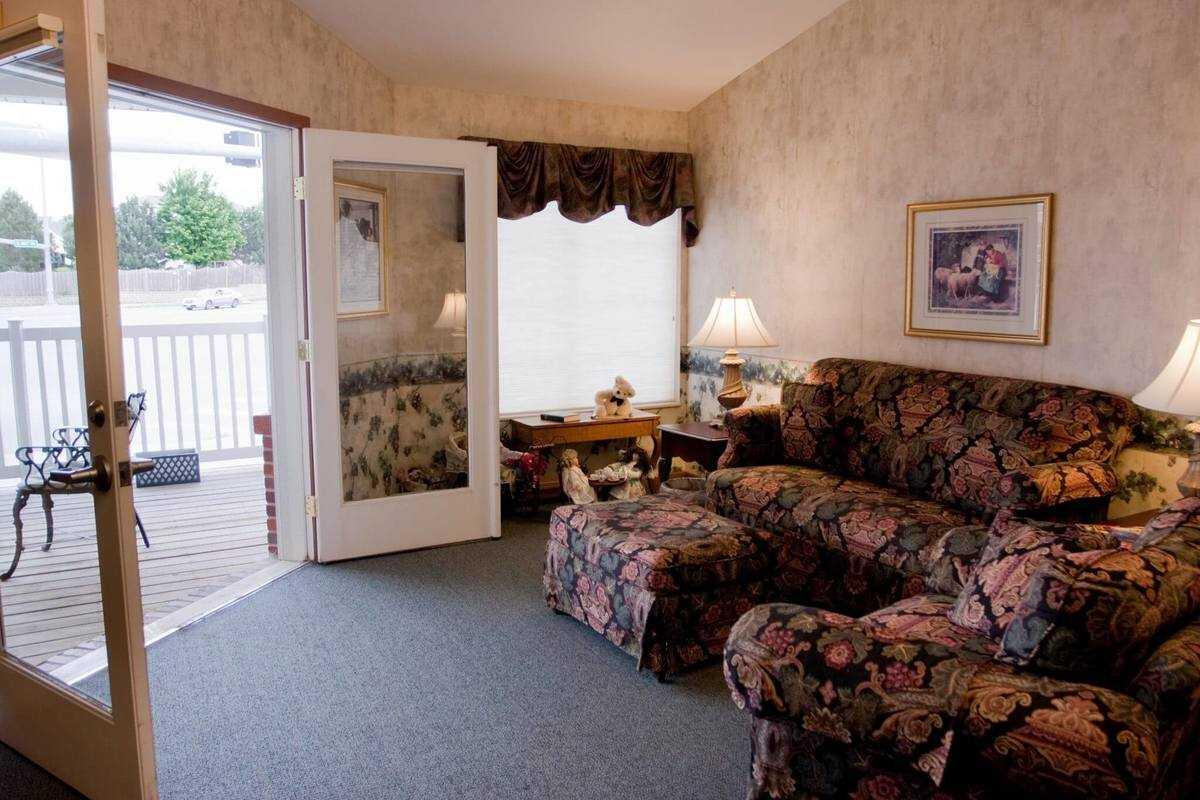 Photo of The Waterford at Williamsburg, Assisted Living, Lincoln, NE 7
