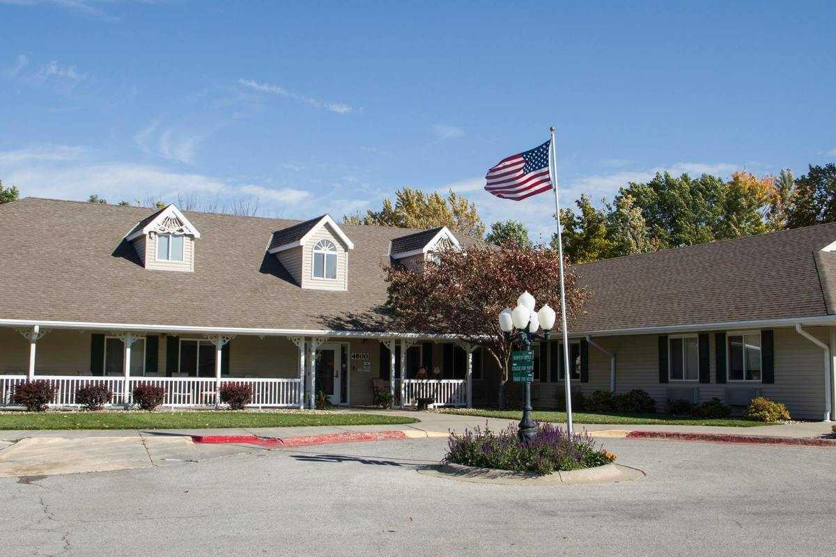 Photo of The Waterford at Williamsburg, Assisted Living, Lincoln, NE 11