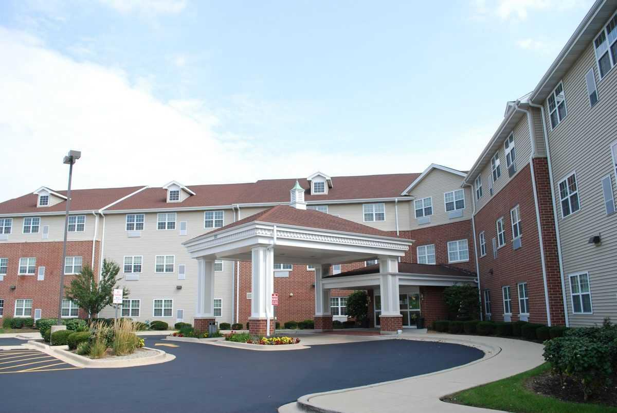 Photo of Heritage Woods of Bolingbrook, Assisted Living, Bolingbrook, IL 3