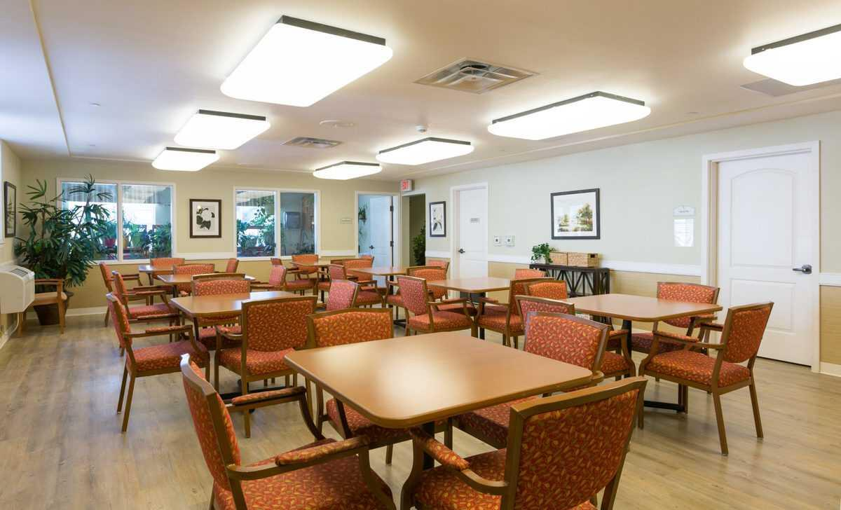 Photo of Park Meadows Senior Living, Assisted Living, Memory Care, Overland Park, KS 3