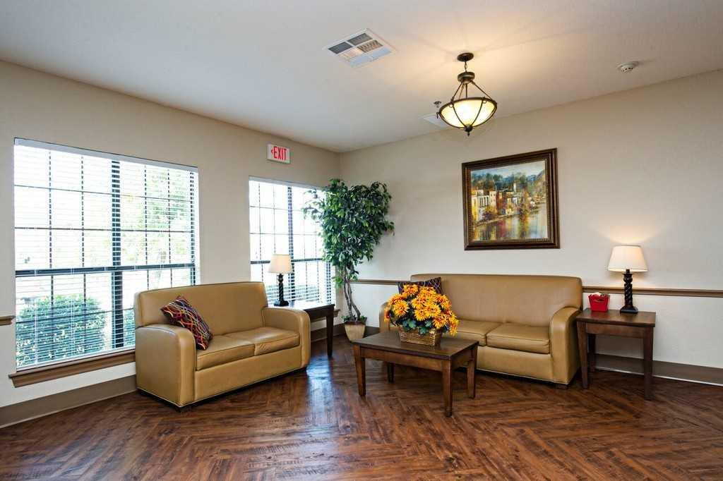 Photo of Hilltop Park Rehabilitation and Care Center, Assisted Living, Weatherford, TX 4