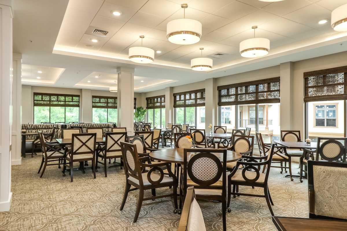 Photo of Mission Chateau Senior Living Community, Assisted Living, Prairie Village, KS 5