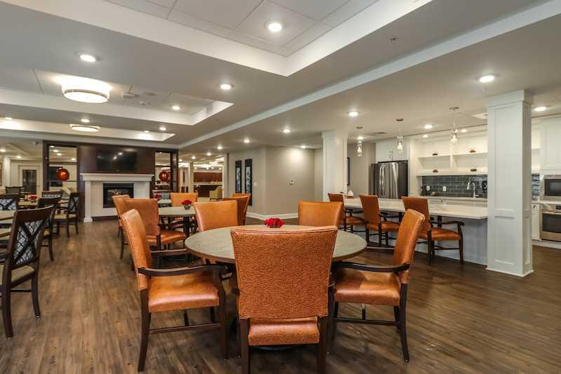 Photo of Mission Chateau Senior Living Community, Assisted Living, Prairie Village, KS 9