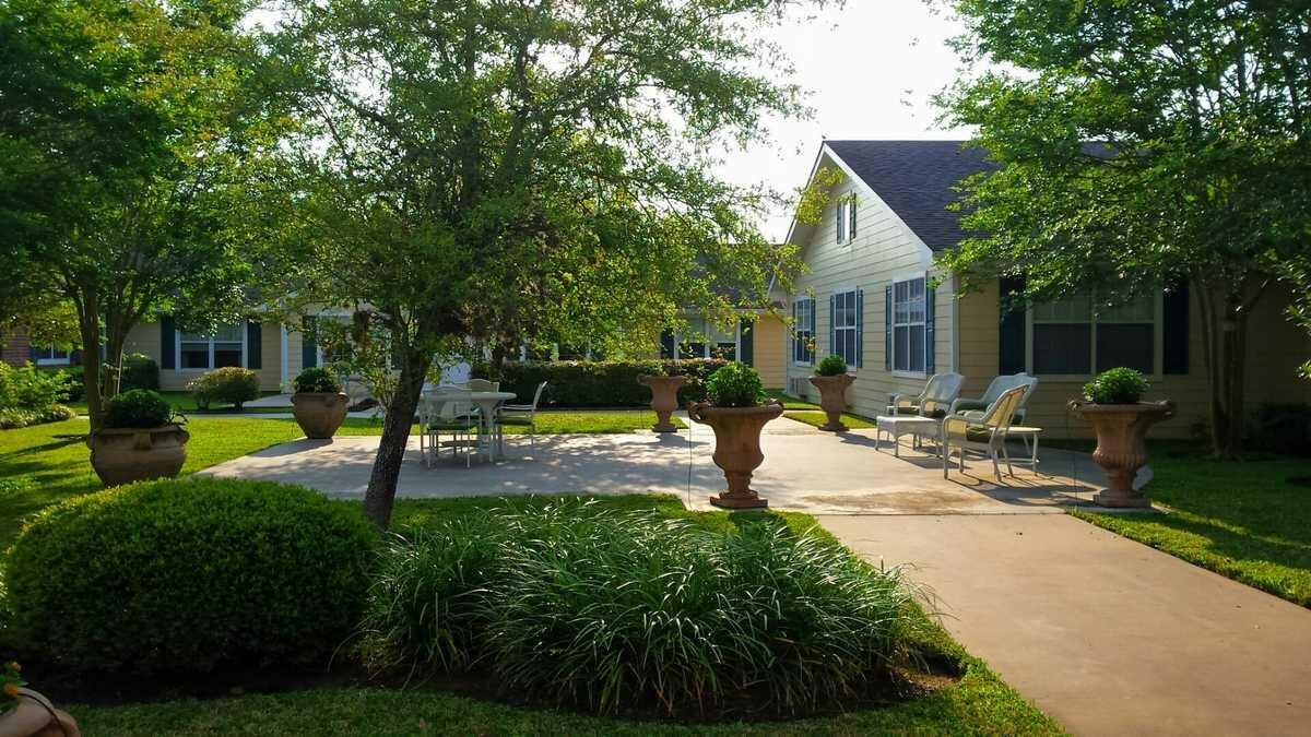 Photo of Columbus Oaks Healthcare Community, Assisted Living, Columbus, TX 3