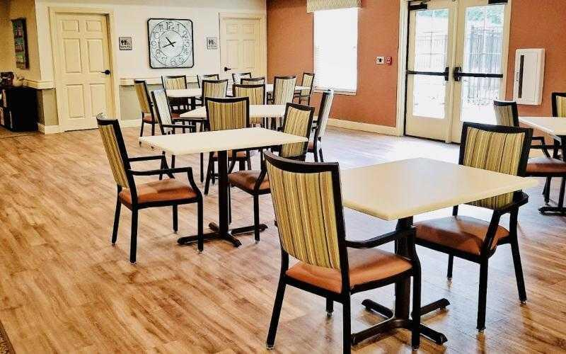 Photo of Oak Pointe of Rolla, Assisted Living, Memory Care, Rolla, MO 2