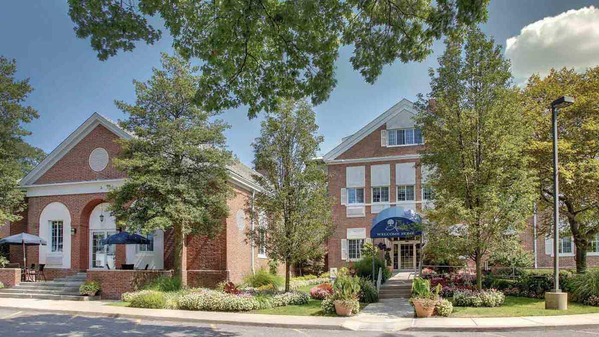 Atria East Northport | Assisted Living in East Northport ...