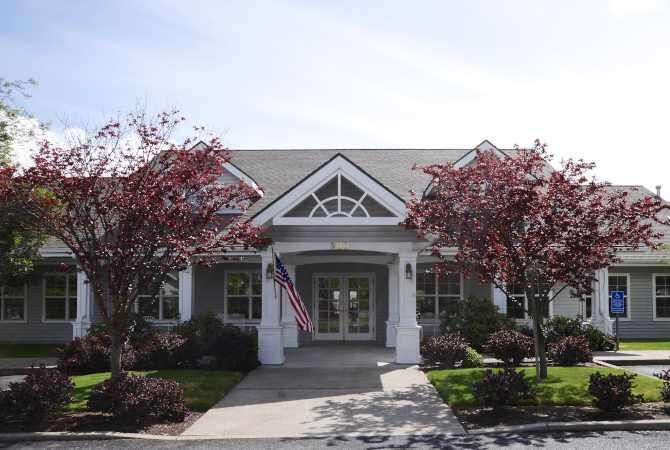 Photo of Suncrest Place, Assisted Living, Talent, OR 1