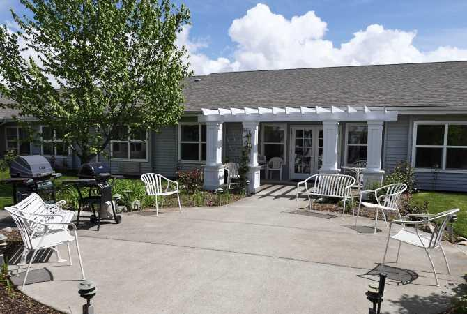 Photo of Suncrest Place, Assisted Living, Talent, OR 3