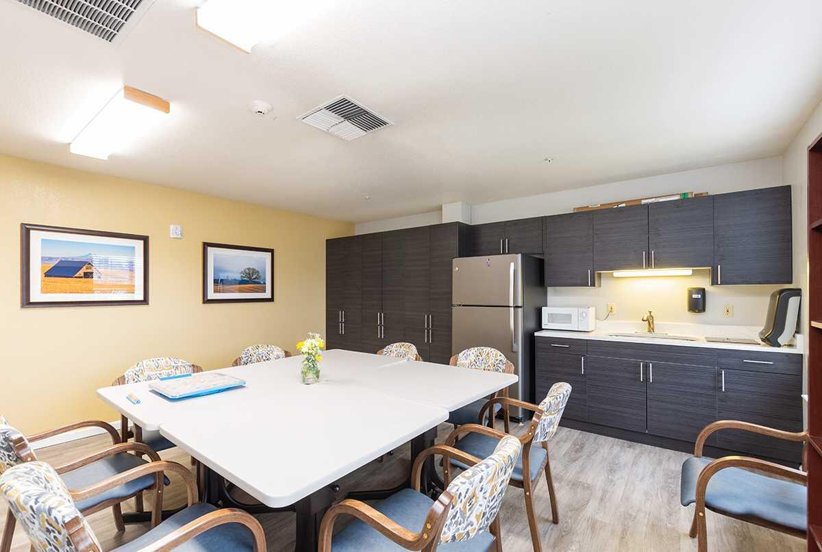 Photo of Suncrest Place, Assisted Living, Talent, OR 6